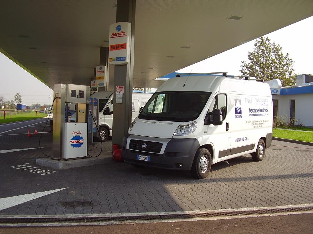 Camion Tecnogas bianco