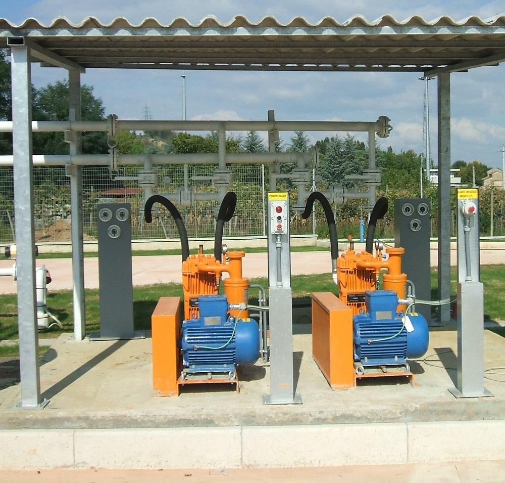 Veduta esterna compressori per impianto gpl e metano